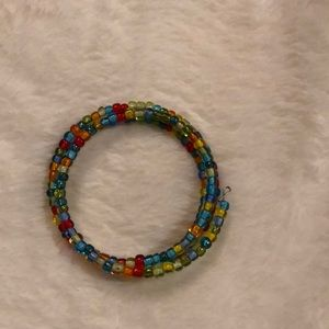 Jewelry - 💕 Multi colour spiral beaded bracelet